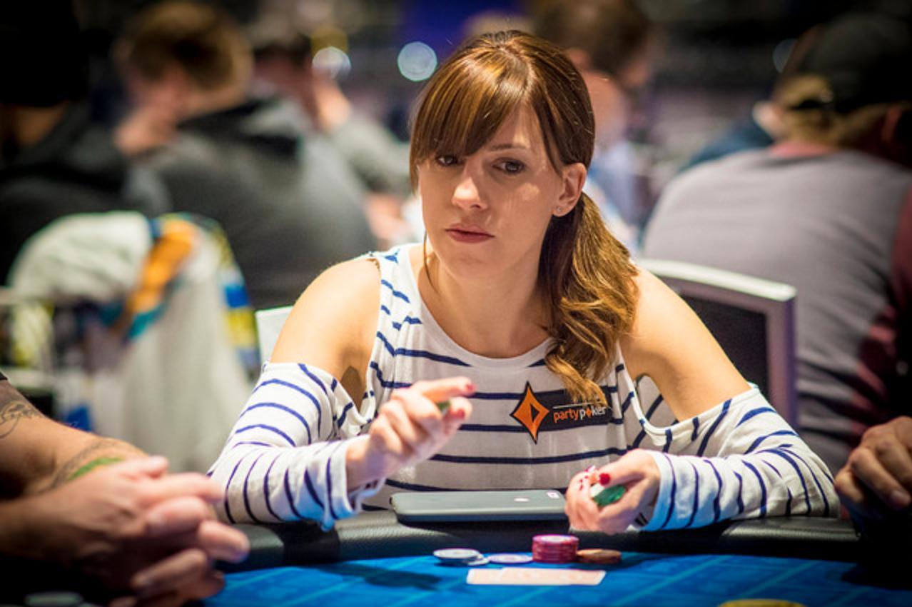 Kāršu spēle, kurai ievadvārdus nevajag – pokers